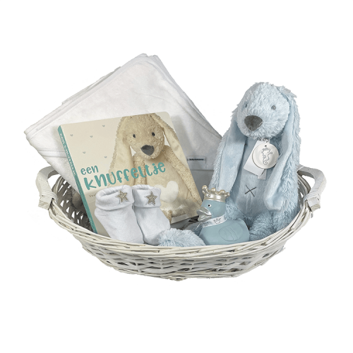 Basket 'Badcape Richie': white wicker basket, containing a white hooded towel with a name embroidered on it, Happy Horse Rabbit Richie blue, blue bath duck and white socks from BamBam and a booklet from Happy Horse, with small fur of different cuddly toys